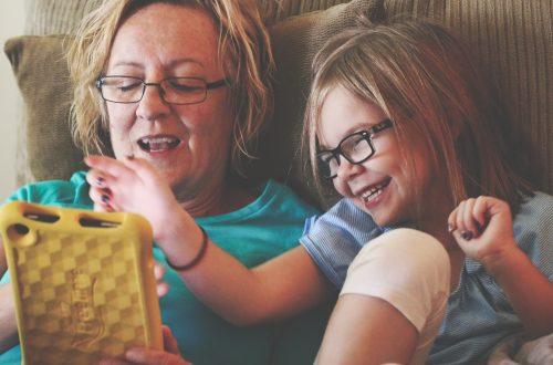 Hjælper du dit barn med teknologien selvom du ikke forstår den